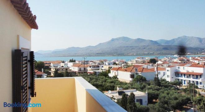 Berdoussis Hotel - Elafonisos - Balcony