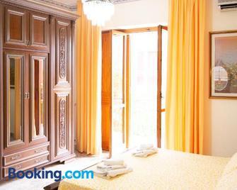 Villa Franca Mini Appartamenti - Bisceglie - Schlafzimmer