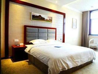 Super 8 by Wyndham Suizhou East Long Bus Station - Suizhou - Bedroom