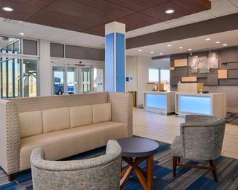 Holiday Inn Express & Suites Van Horn - Van Horn - Living room
