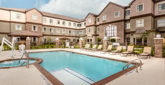 Staybridge Suites Houston I-10 West-Beltway 8 - יוסטון - בריכה