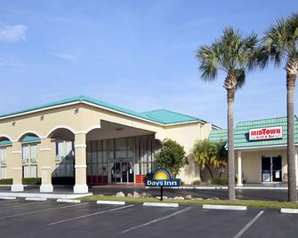 Days Inn by Wyndham Fort Pierce Midtown - Fort Pierce - Building