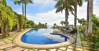 Hotel Soffia Boracay - Boracay - Pool