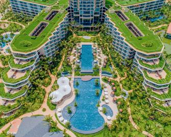 Intercontinental Phu Quoc Long Beach Resort - Фукуок - Building