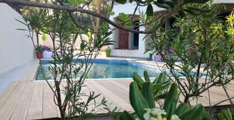 Maison D'hotes Naturiste Villa Paulana - Agde - Pool