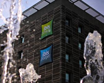 Ibis Budget Nimes Centre Gare - Nimes - Edificio