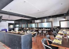 Fabhotel Majestica Inn Hitec City - 海得拉巴 - 餐廳
