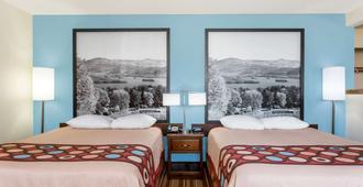 Super 8 by Wyndham Danville VA - Danville - Bedroom