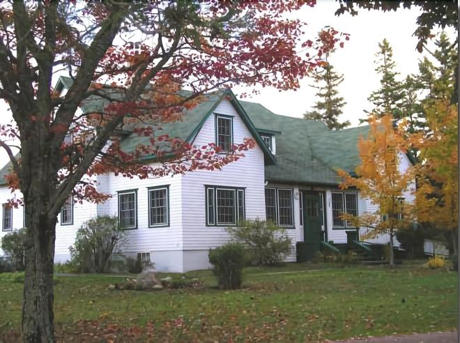 The Normaway Inn - Margaree Valley - Building