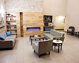 Country Inn & Suites by Radisson, Harrisburg West - Mechanicsburg - Living room