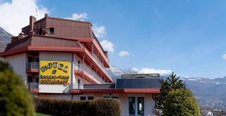 Hotel Rendez Vous - Saint-Vincent - Edificio
