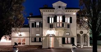 Relais Toti B&B - Mogliano Veneto - Gebäude