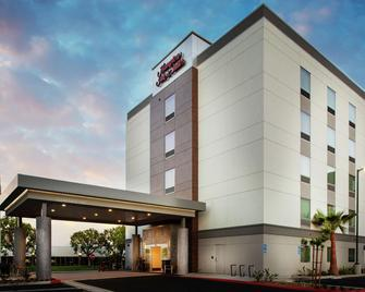 Hampton Inn and Suites Irvine - Orange County Airport, CA - Irvine - Bina