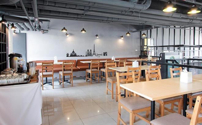 D Varee Xpress Makkasan - Bangkok - Ravintola