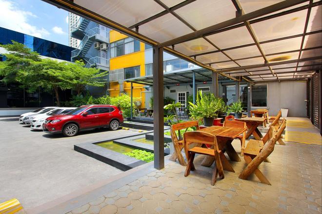 D Varee Xpress Makkasan - Bangkok - Patio