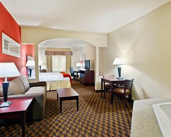 Holiday Inn Express & Suites Malvern - Malvern - Bedroom