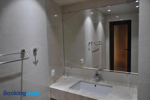 Hotel Tyulenovo - Tyulenovo - Bathroom