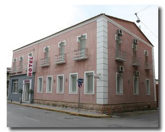 Kentrikon - Calcis - Edificio