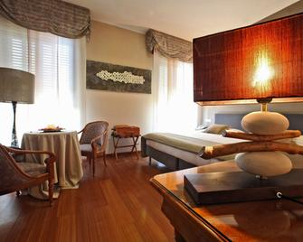 Hotel Terme Salvarola - Sassuolo - Bedroom