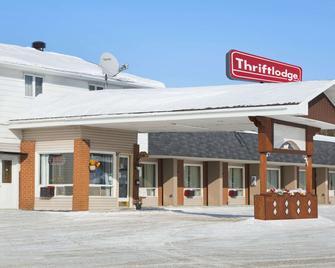 Thriftlodge Cochrane South - Cochrane - Building