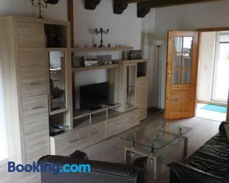 Ferienhaus und Privatvermietung Andrea Giesecke - Meiningen - Living room
