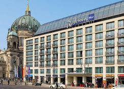 Radisson Blu Hotel, Berlin - Berlin - Building