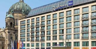 راديسون بلو هوتل، برلين - برلين - مبنى
