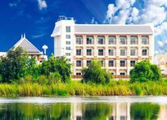 The Lake Hotel - Khon Kaen - Building