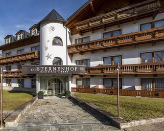 Hotel Zum Sternenhof - Kössen - Building