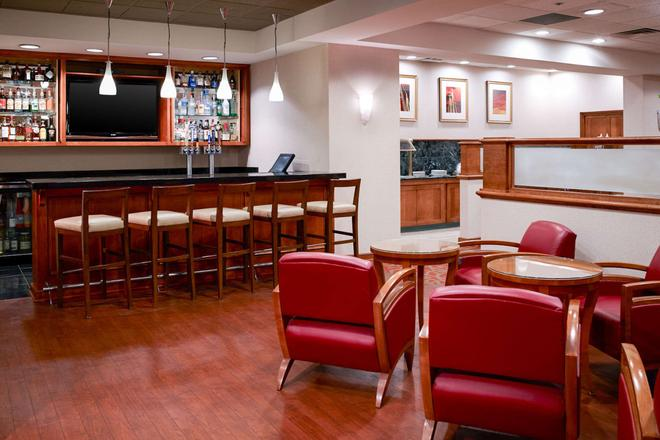 Clarion Hotel Airport - Portland - Bar