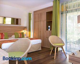 Hôtel Vacances Bleues Delcloy - Сен-Жан-Кап-Ферра - Bedroom
