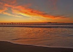 Holiday Inn Express San Diego Seaworld-Beach Area - San Diego - Vista del exterior