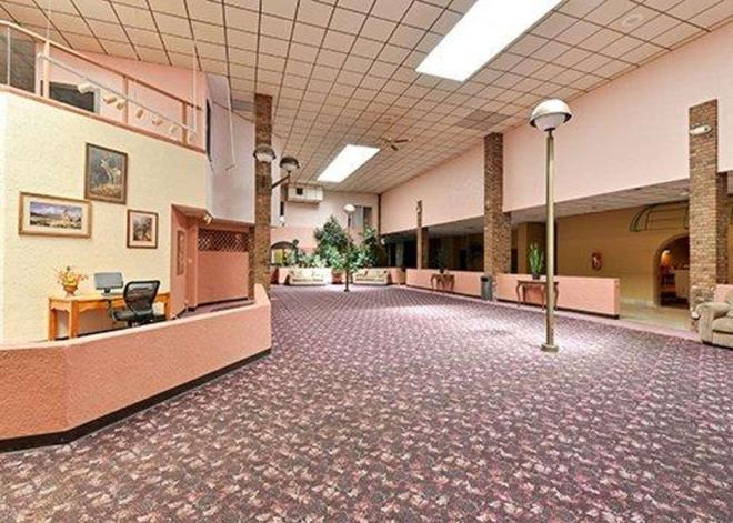Rodeway Inn - Alamosa - Lobby