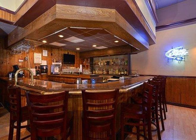 Rodeway Inn - Alamosa - Bar
