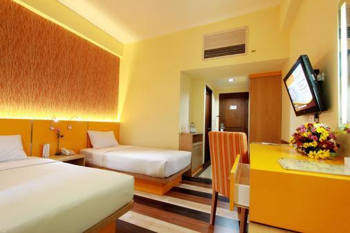 Pandanaran Hotel - Semarang - Bedroom