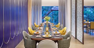 Vivanta Bengaluru Residency Road - Bengaluru - Dining room