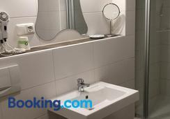 Gasthof Frohlich - Langenbruck - Bathroom