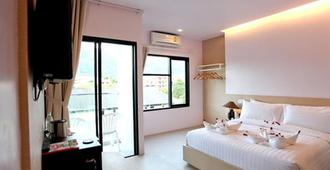 My Hotel - Patong - Bedroom