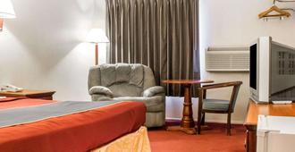 Rodeway Inn Winslow I-40 - Winslow - Living room