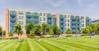 Lofts at the Highlands - St. Louis - Building