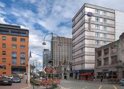 Travelodge Birmingham Central - Birmingham - Building