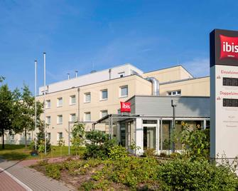 Ibis Berlin Dreilinden - Кляйнмахнов - Building