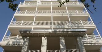 Le Rose Suite Hotel - Rímini - Edificio