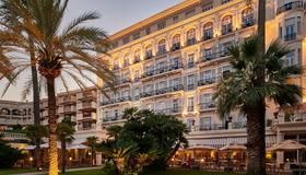 Hôtel Vacances Bleues Royal Westminster - Mentone - Edificio