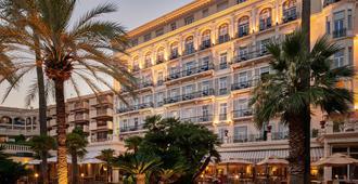 Hôtel Vacances Bleues Royal Westminster - Menton - Toà nhà