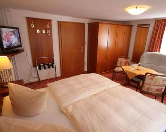 Hotel-Pension Haus Steinmeyer - Bad Pyrmont - Schlafzimmer