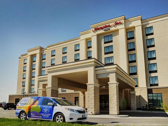 Hampton Inn by Hilton Winnipeg Airport/Polo Park, MB, Canada - Winnipeg - Building