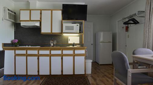 Valley Star Motel - Penticton - Kitchen