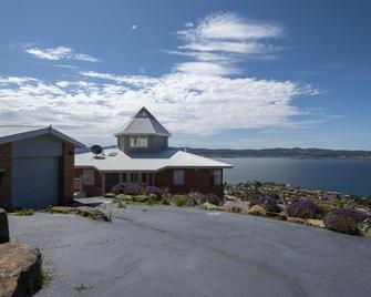 Nature & Relax House 37 - Sandy Bay - Building
