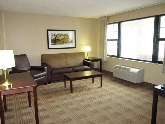 奧克蘭埃默里維爾美國長住酒店 - 奥克蘭 - 奧克蘭(加州) - 客廳